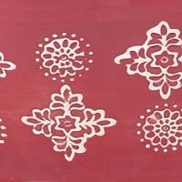 Красный с белым узором